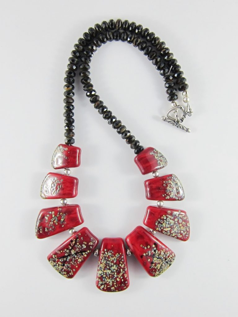 JNE4968 Pretty Bright Red Necklace