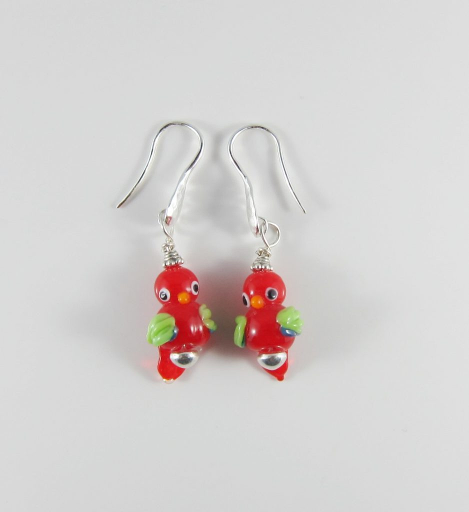 JER5031 Earrings parrots red and green
